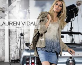 ss14-lauren-vidal-perla-top-blue-lifestyle-2-780x531